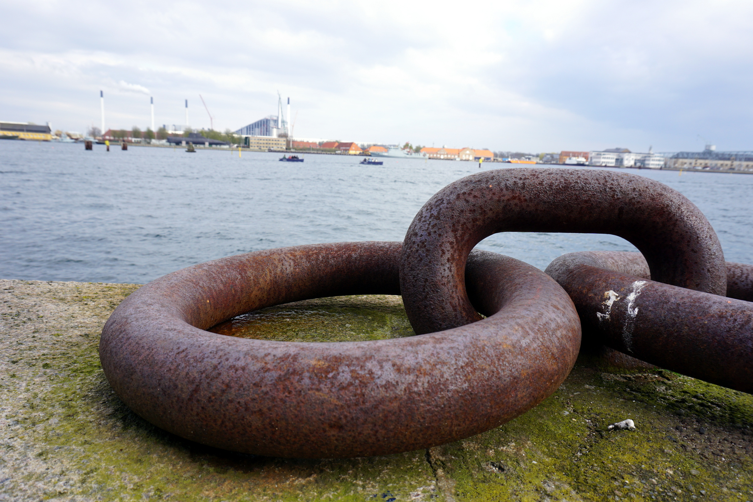 Macro-Image of a chain near the harbour of Copenhagen